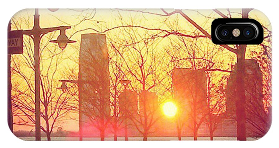 Hudson River IPhone X Case featuring the photograph Hudson River Winter Sunset by William North