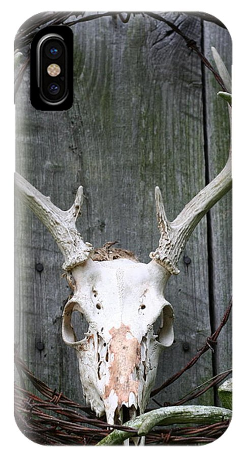 Barn IPhone X Case featuring the photograph Hunters Wreath by Diane Merkle