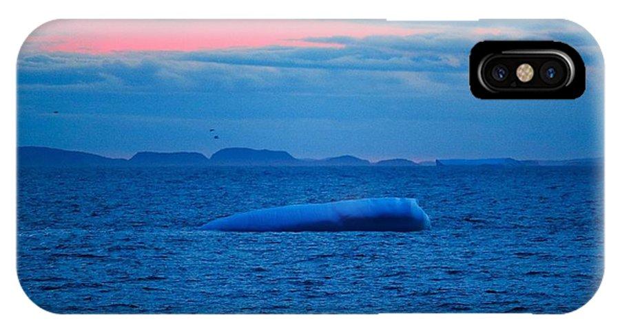 Iceberg IPhone X / XS Case featuring the photograph Iceberg Sunset by Stephen Tremblett