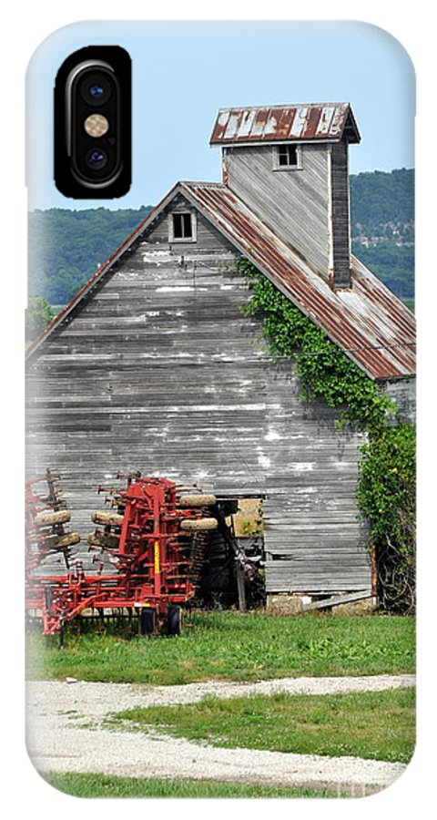 Barn IPhone X Case featuring the photograph Ilini Barn by Marty Koch