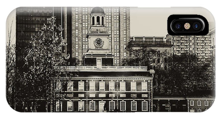 Philadelphia IPhone X Case featuring the photograph Independence Hall by Bill Cannon