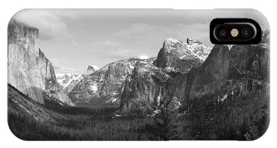 Yosemite IPhone X Case featuring the photograph Inspiration Point by Travis Day