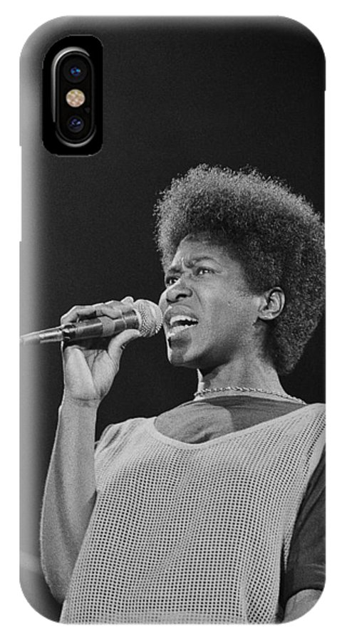 Photo IPhone X Case featuring the photograph Joan Armatrading 2 by Philippe Taka