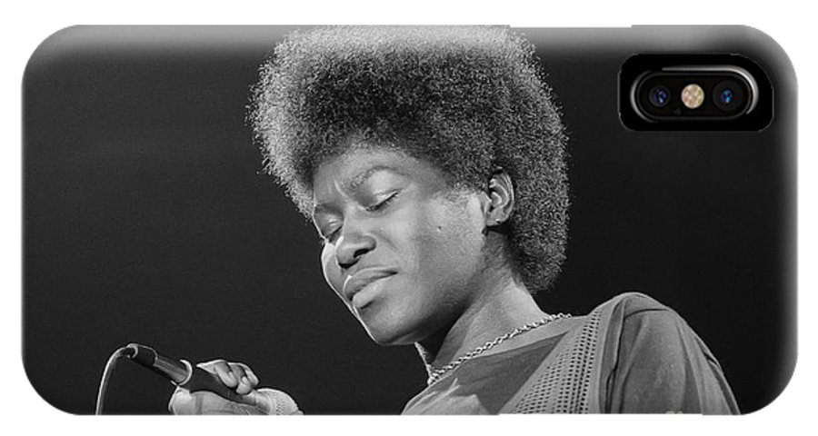 Photo IPhone X Case featuring the photograph Joan Armatrading 5 by Philippe Taka