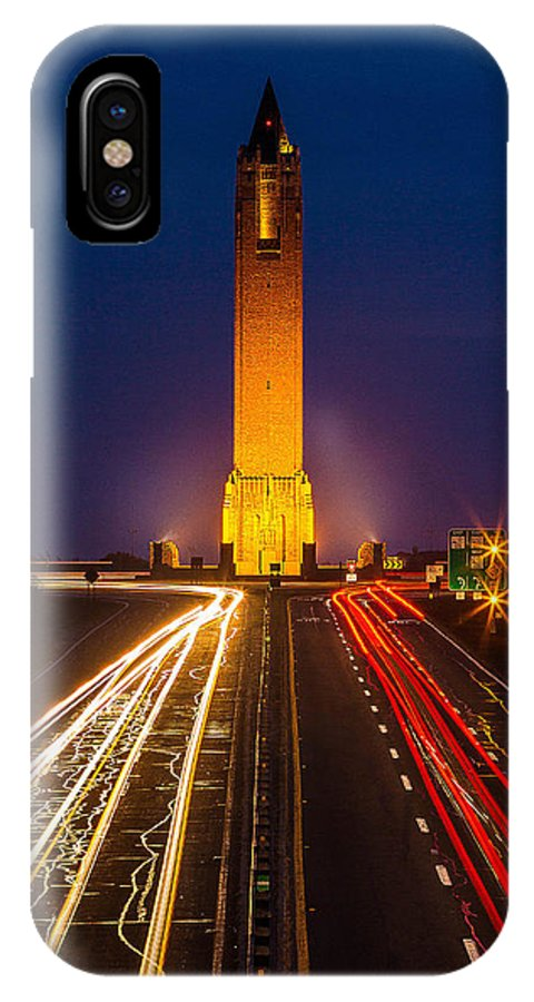 Jones Beach IPhone X Case featuring the photograph Jones Beach Pencil Light Trails by David Israel