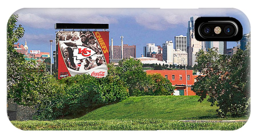 Landscape IPhone Case featuring the photograph Kansas City Sky Line by Steve Karol