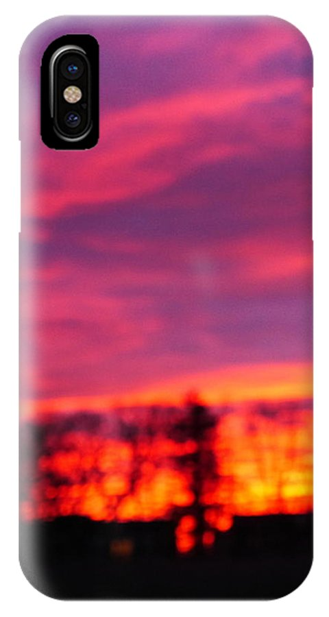 Sunset IPhone X Case featuring the photograph Kiera's Sunset by Jack Riordan