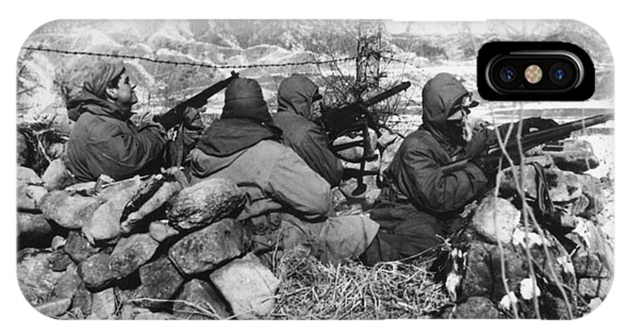 1950 IPhone X Case featuring the photograph Korean War: Soldiers by Granger