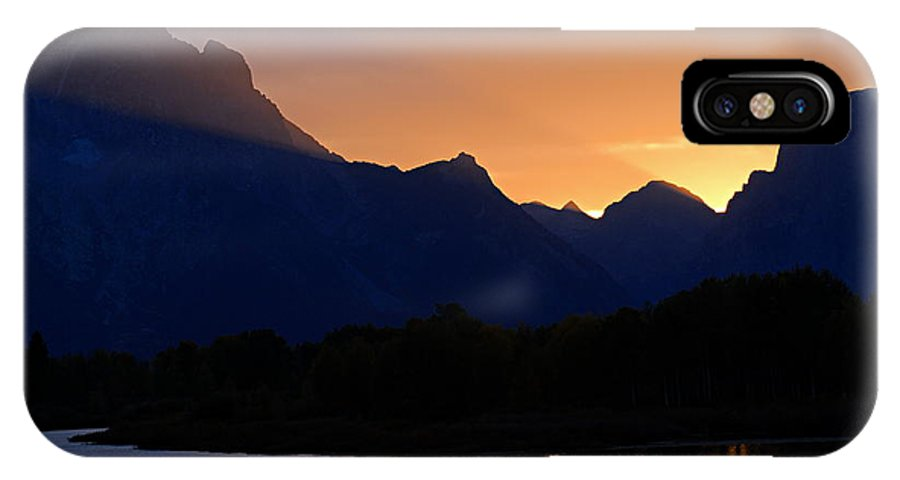 Oxbow Bend IPhone X Case featuring the photograph Last Light Of Day by Larry Ricker