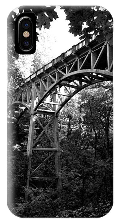 Latourell Falls IPhone X Case featuring the photograph Latourell Bridge by Noah Cole
