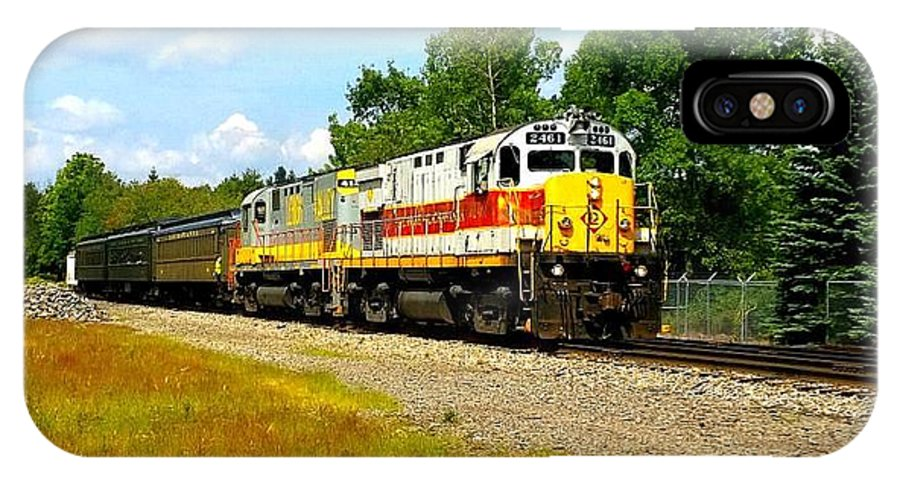 Tobyhanna Pennsylvania IPhone X Case featuring the photograph Lehigh Valley/ Lackawanna Engines by William Rogers