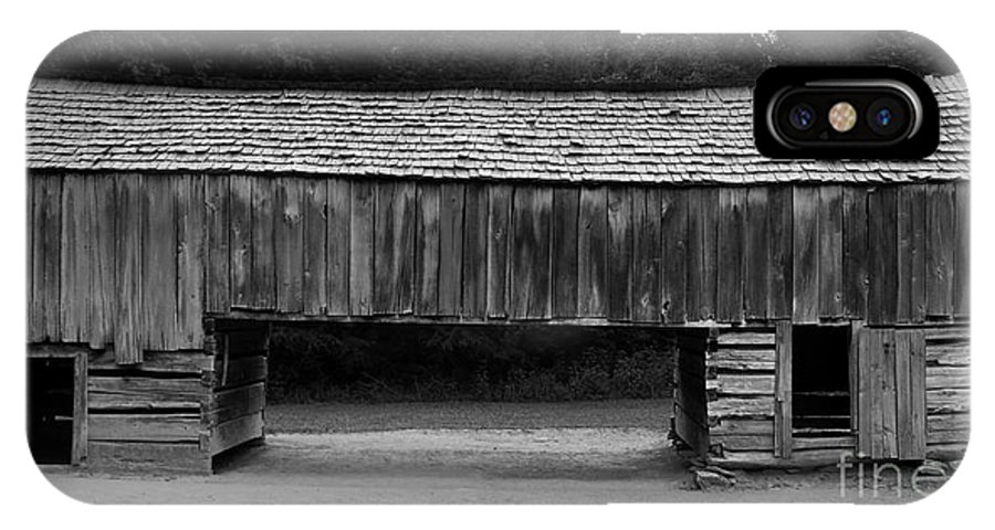 Barn IPhone X Case featuring the photograph Long Barn by David Lee Thompson