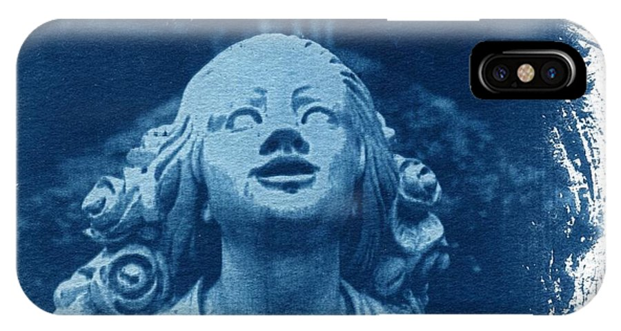 Head IPhone Case featuring the photograph Looking Up by Jane Linders