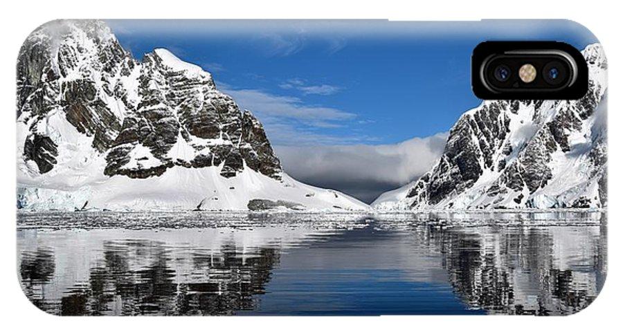 Landscape IPhone X Case featuring the photograph Majestic Reflection by Chris Hanlon