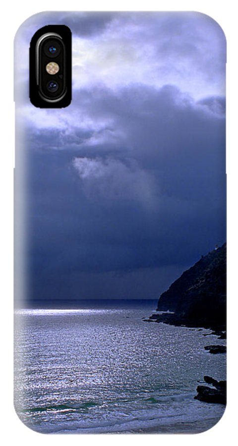 Makapuu IPhone X Case featuring the photograph Makapuu Moon by Kevin Smith