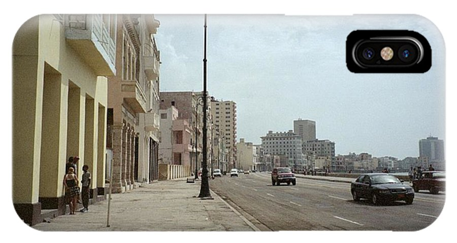 Quin Sweetman IPhone X Case featuring the photograph Malecon En Havana by Quin Sweetman