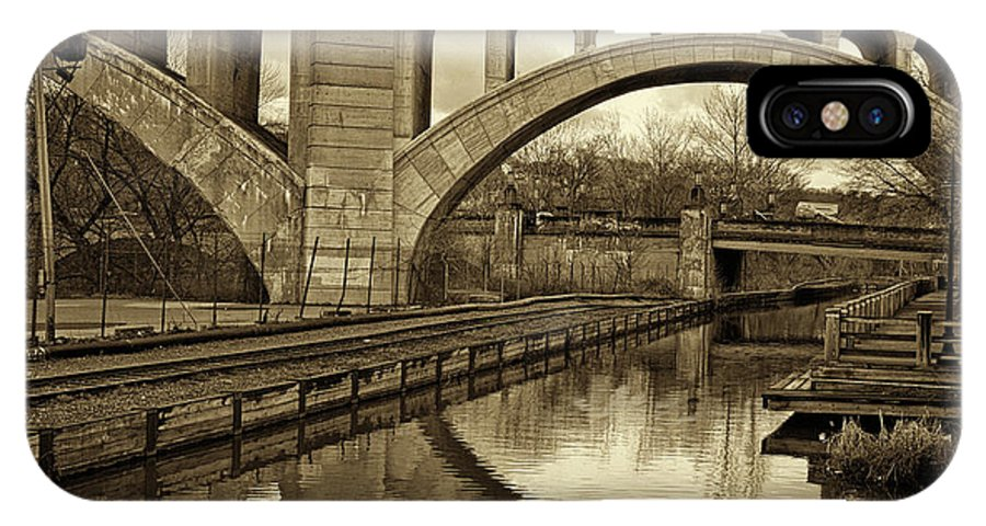 Manayunk IPhone X Case featuring the photograph Manayunk Bridge Reflection by Jack Paolini