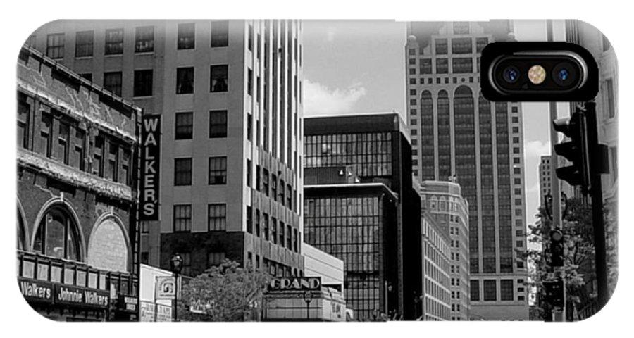 Milwaukee IPhone X Case featuring the photograph Milwaukee Street Scene B-w by Anita Burgermeister