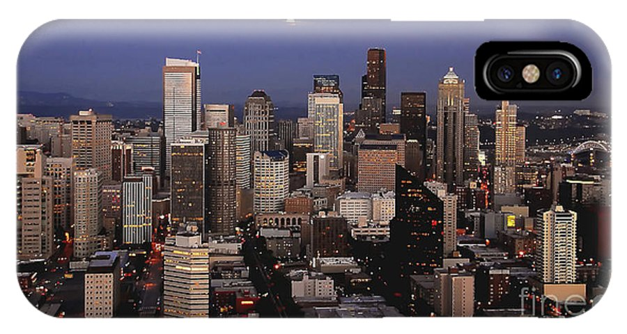 Seattle IPhone X Case featuring the photograph Moon Over Seattle by David Lee Thompson