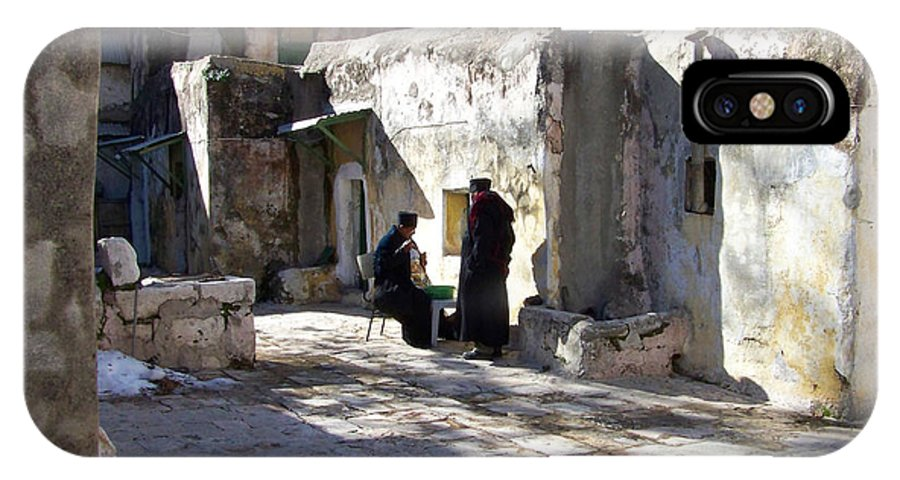 Jerusalem IPhone X Case featuring the photograph Morning Conversation by Kathy McClure