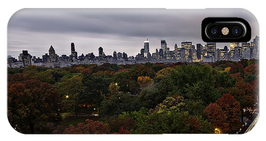 New York IPhone X / XS Case featuring the photograph New York At Dusk by Ariane Moshayedi