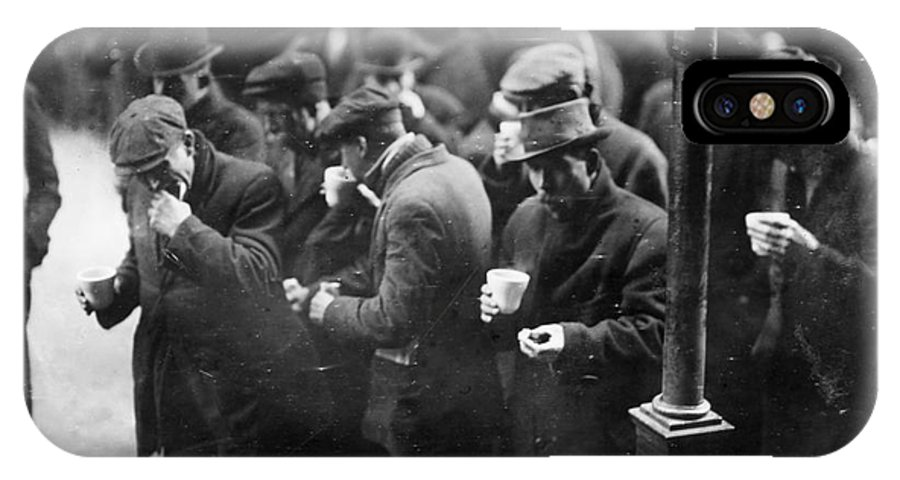 1915 IPhone X Case featuring the photograph New York: Bread Line, 1915 by Granger