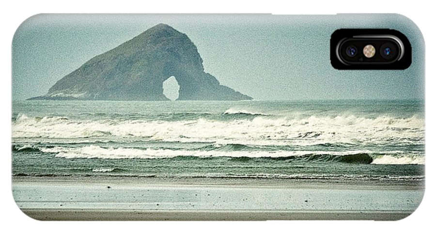 Matapia Island IPhone X Case featuring the photograph Matapia Island by Dave Bowman