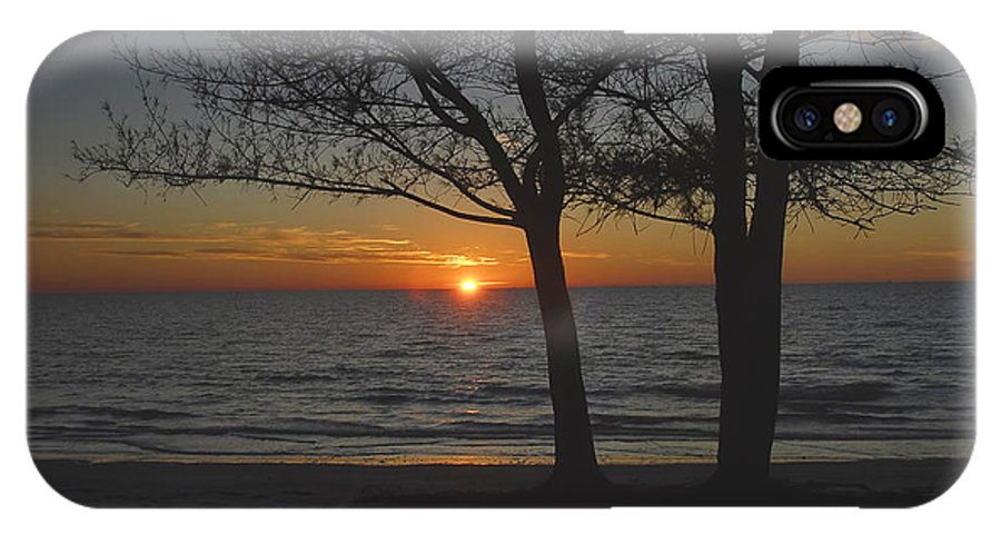 Beach IPhone X Case featuring the photograph North Beach Sunset by David Lee Thompson