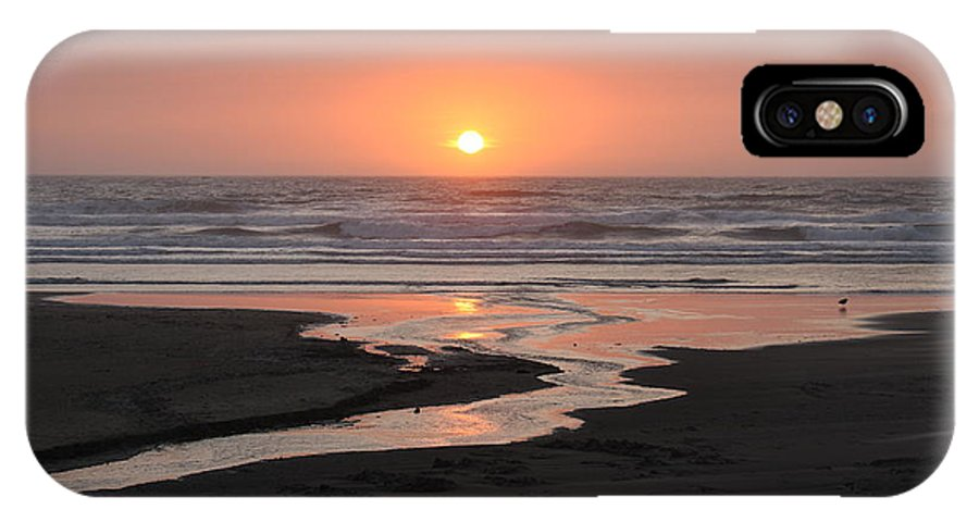 Nye Beach IPhone X Case featuring the photograph Nye Beach Sunset by Claire McGee