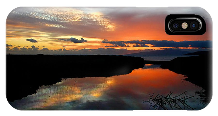 Maui IPhone X Case featuring the photograph Oil Painting Maui Hawaii by Pierre Leclerc Photography