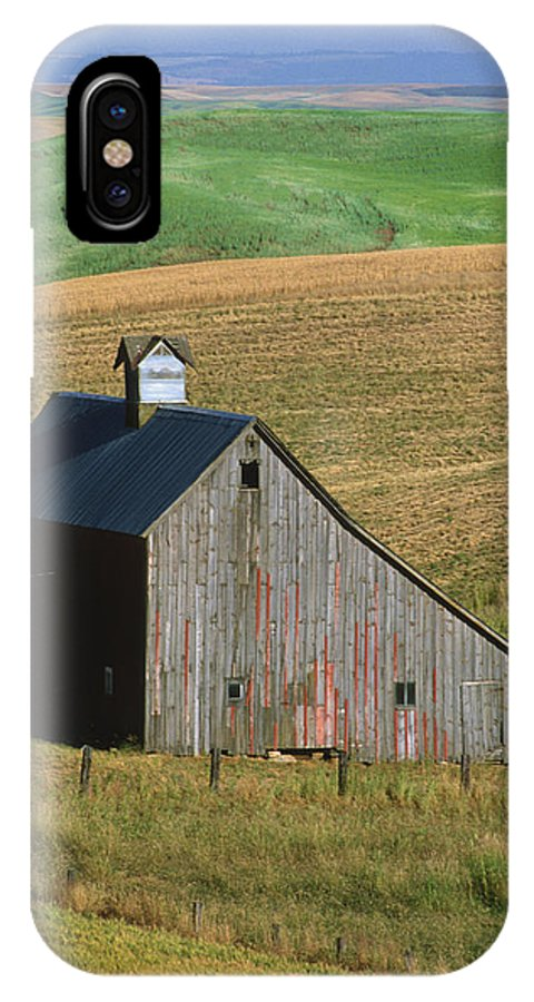 Palouse IPhone X Case featuring the photograph Old Palouse Barn by Sandra Bronstein