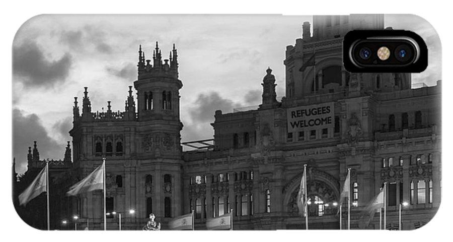 Spain IPhone X / XS Case featuring the photograph Plaza De Cibeles Fountain Madrid Spain by Pablo Avanzini