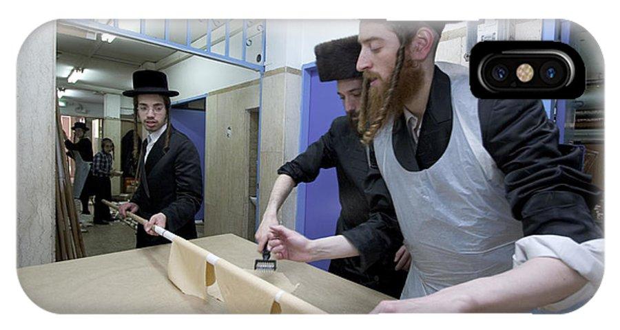 Matza IPhone X Case featuring the photograph Preparing Matzah Israel by Danny Yanai