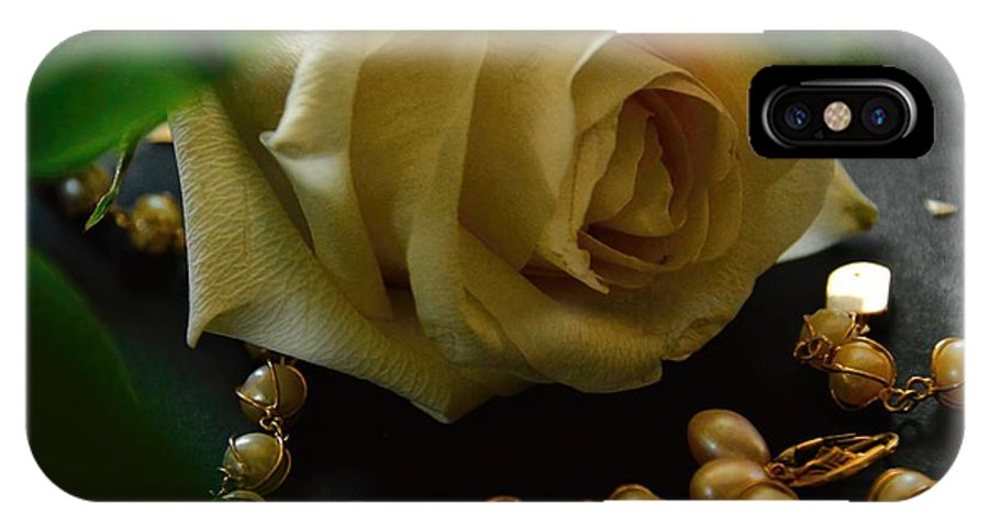 Pearls IPhone X / XS Case featuring the photograph Quiet Beauty by Diana Mary Sharpton