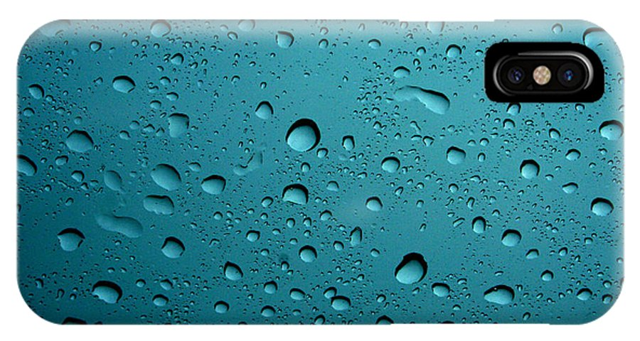 Abstract IPhone X / XS Case featuring the photograph Raindrops by Linda Sannuti