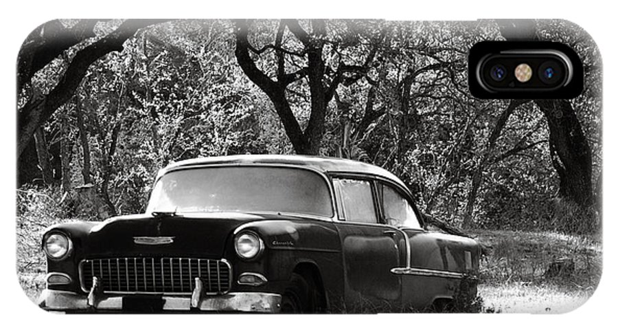 Americana IPhone X Case featuring the photograph Resting Amongst The Oaks by Marilyn Hunt