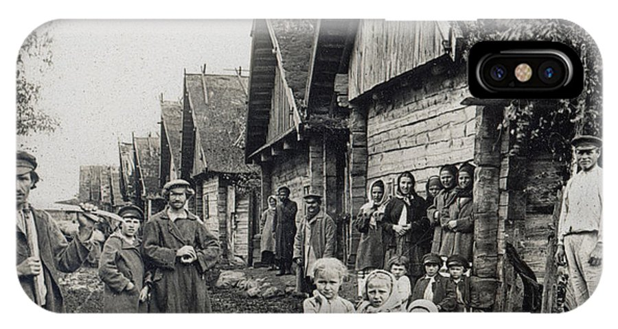 1900 IPhone X Case featuring the photograph Russia: Peasants by Granger