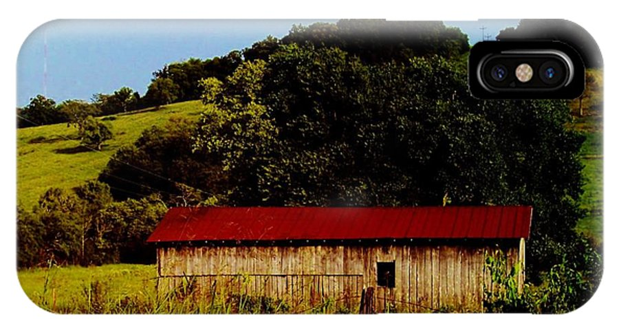 Rustic Barn In Carthage IPhone X Case featuring the photograph Rustic Barn In Carthage Tennessee by Peggy Leyva Conley