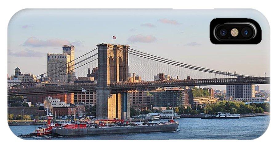 Karen Silvestri IPhone X / XS Case featuring the photograph Setting Sun On Brooklyn Bridge by Karen Silvestri