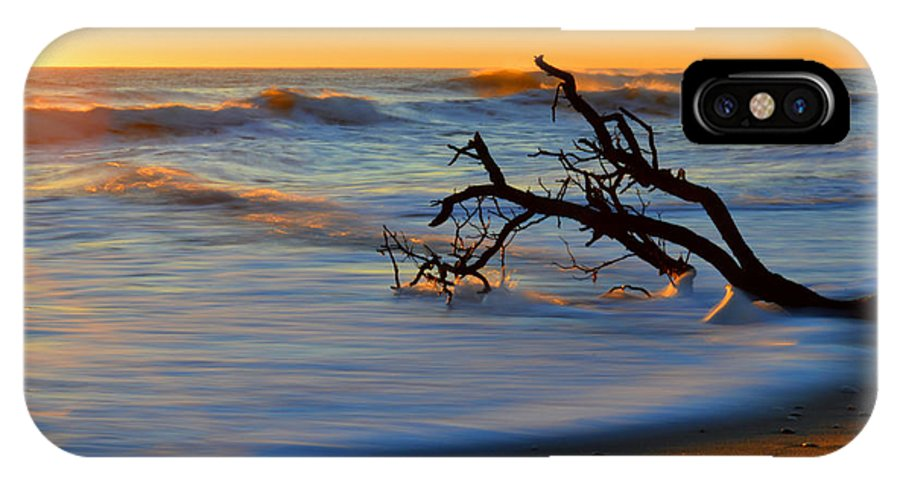 Ocean IPhone X Case featuring the photograph Smooth Move by Dianne Cowen