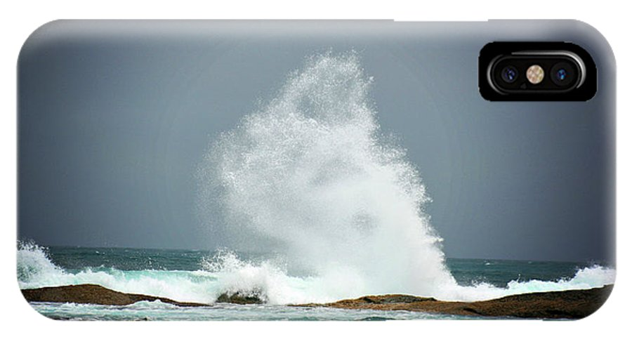 Wave IPhone X Case featuring the photograph Splash by Douglas Barnard
