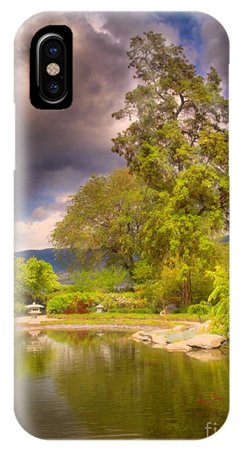 Gardens IPhone X Case featuring the photograph Spring In The Gardens by Tara Turner