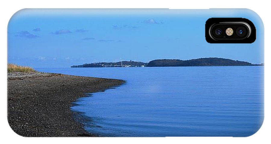 Squantum Shoreline IPhone X Case featuring the photograph Squantum Shoreline by Bill Driscoll