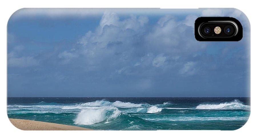 Georgia Mizuleva IPhone X Case featuring the photograph Summer In Hawaii - Banzai Pipeline Beach by Georgia Mizuleva