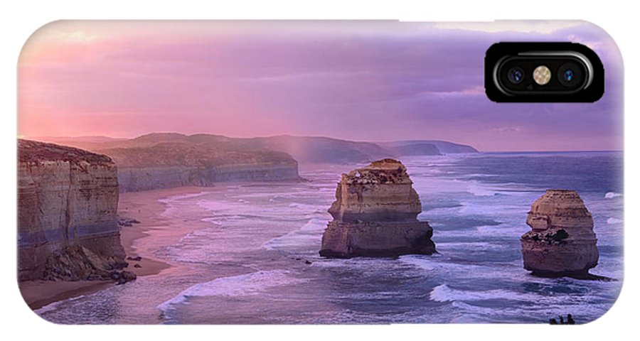 Sunrise IPhone X Case featuring the photograph Sunrise At Gibson Steps by Rosy Kueng