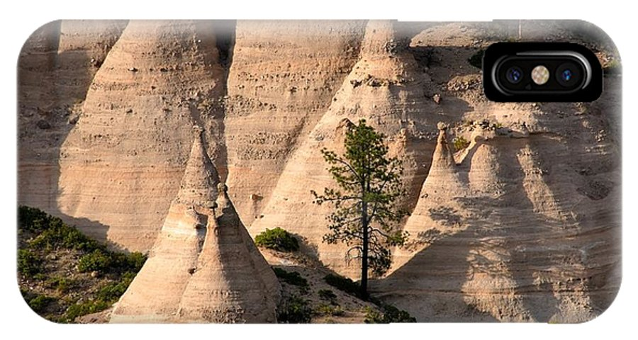Tent Rocks Wilderness IPhone X Case featuring the photograph Tent Rocks Wilderness by David Lee Thompson
