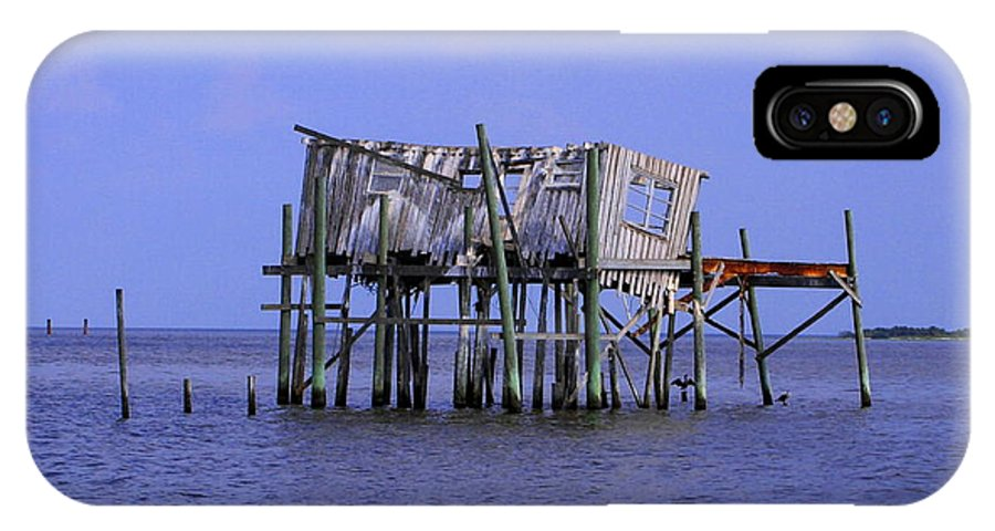 Cedar Key IPhone X Case featuring the photograph The Honey Moon Suite 3 - Debbie May - Phtosbydm by Debbie May