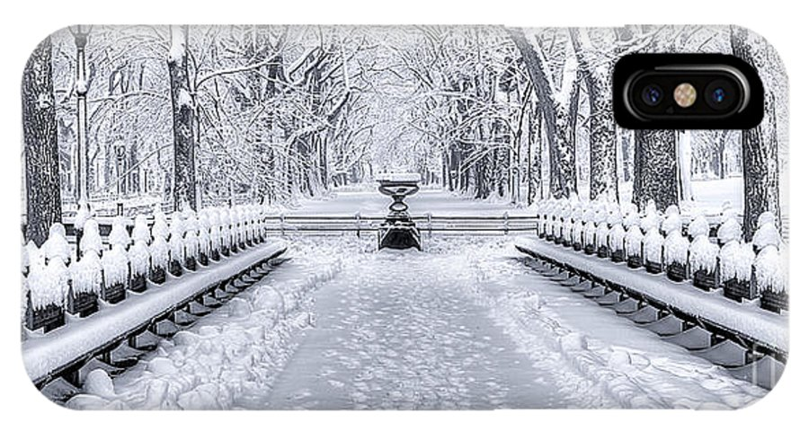 B+w IPhone X / XS Case featuring the photograph The Mall In Snow Central Park by Jerry Fornarotto