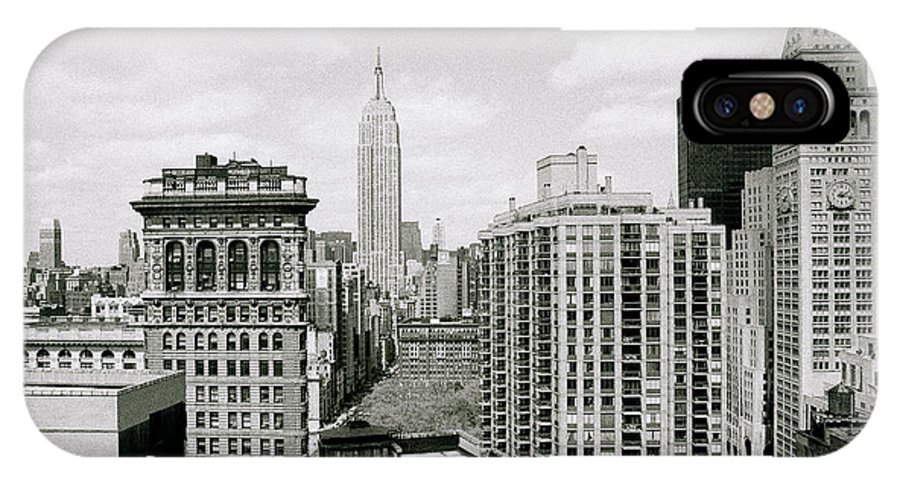 New York IPhone X Case featuring the photograph The New York Skyline by Shaun Higson