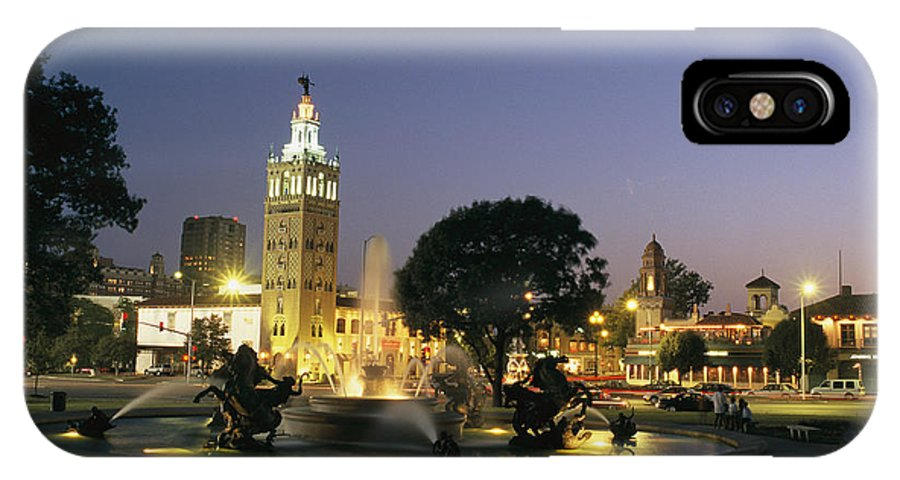 North America IPhone X / XS Case featuring the photograph The Plaza In Kansas City, Mo, At Night by Michael S. Lewis